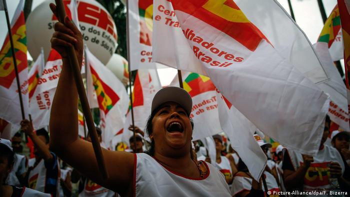 Brasilien Streik in Rio de Janeiro (Picture-Alliance/dpa/F. Bizerra)