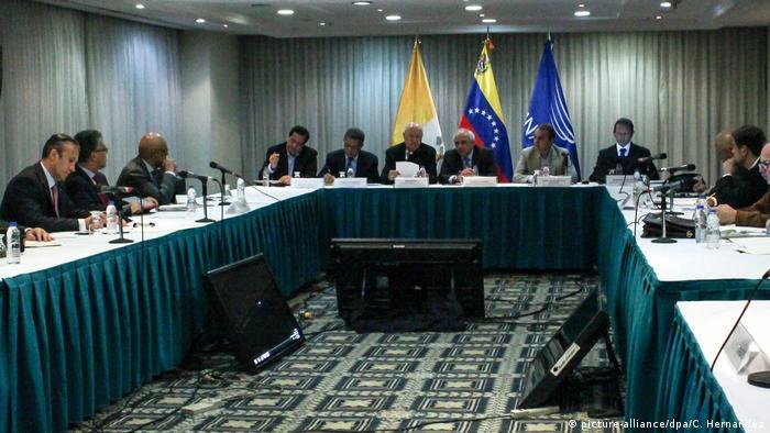 Venezuela Treffen Regierung und Opposition (picture-alliance/dpa/C. Hernandez)