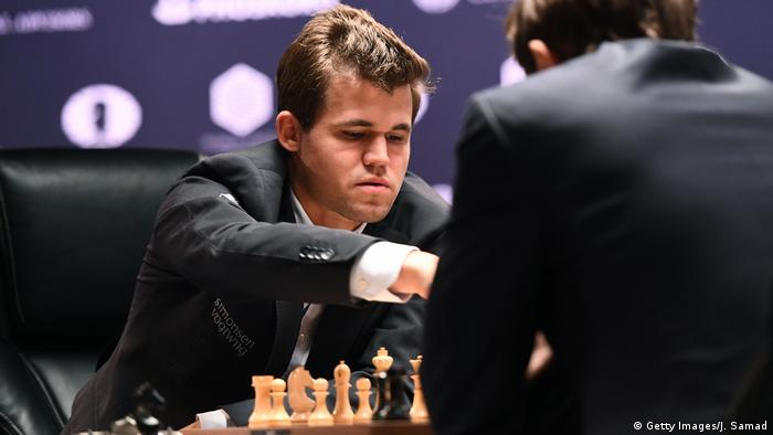 USA New York Schachweltmeisterschaft Partie 1 Remis 2016 World Chess Championship - November 11