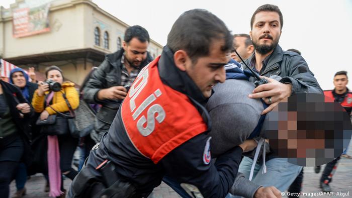 Türkei Istanbul Verhaftung eines Pro-Kurden-Demonstranten