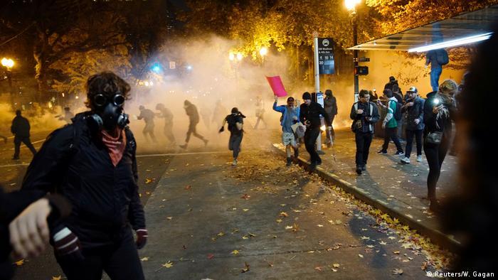 Mann bei Anti-Trump-Protesten angeschossen