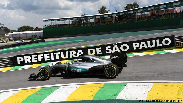 Lewis Hamilton Formel 1 in Sao Paulo (picture-alliance/Thomas Melzer)