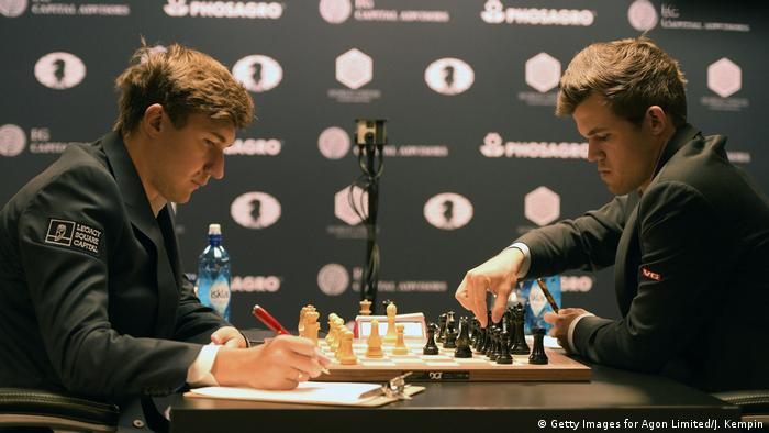 USA Schach WM 2016 in New York Magnus Carlsen - Sergey Karjakin (Getty Images for Agon Limited/J. Kempin)