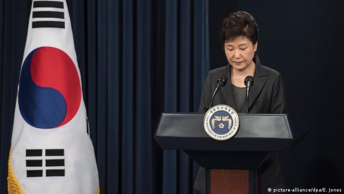 Südkorea Präsidentin Park Geun-hye entschuldigt sich