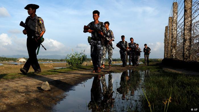 Myanmar Armee an der Grenze zu Bangladesch (AP)