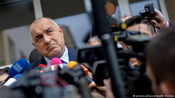 Bulgarien Präsidentschaftswahl 2. Runde Premierminister Boiko Borissow (picture-alliance/dpa/B. Troshev)