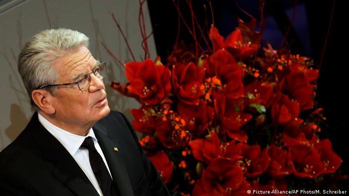 Feier im Bundestag Gedenkstunde zum Volkstrauertag Joachim Gauck (Picture-Alliance/AP Photo/M. Schreiber)