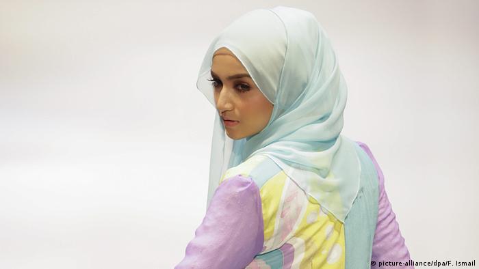 e00d435ac6aeb Wie die Fashionbranche Muslimas als Kundinnen entdeckt  (picture-alliance dpa F.