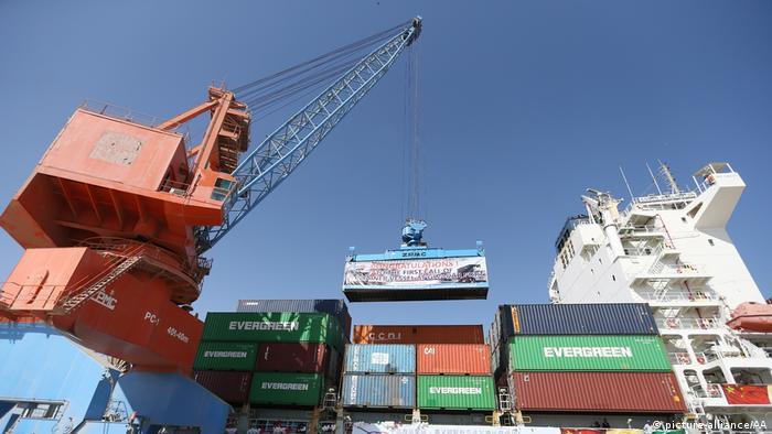 Pakistan   China und Pakistan starten ihre Handelsroute (picture-alliance/AA)