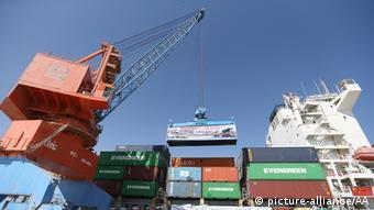 Im November 2016 kamen die ersten Container aus dem chinesischen Xinjiang im Hafen von Gwadar zur Verladung an