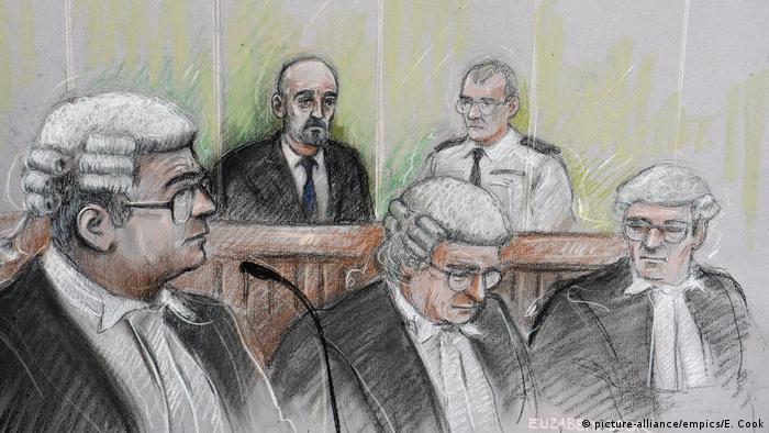 En Grande-Bretagne, les avocats portent encore robe et perruque quand ils sont au tribunal