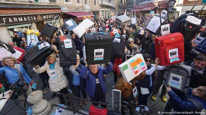 Italien Protestaktion Venexodus in Venedig (picture-alliance/dpa/A. Merola)