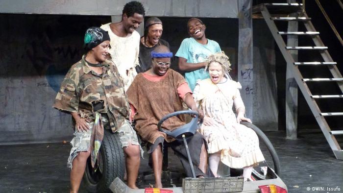 Os Meninos de Ninguém, Grupo de teatro Mutumbela Gogo