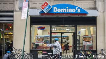 USA New York - Dominos Pizza Filiale (Imago/L. Roberts)