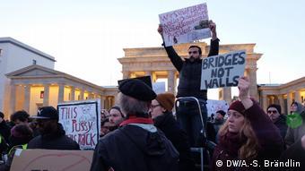Демонстрация в Берлине против миграционного указа Трампа