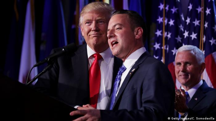 USA New York Donald Trump Holds in der Wahlnacht mit Reince Priebus (Getty Images/C. Somodevilla)