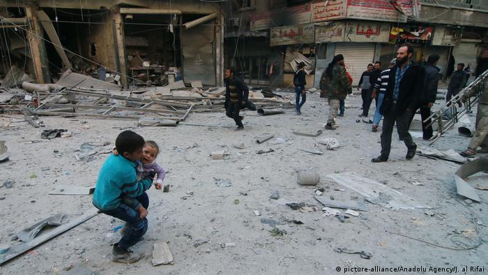 Syrien Krieg - Luftangriffe in Aleppo