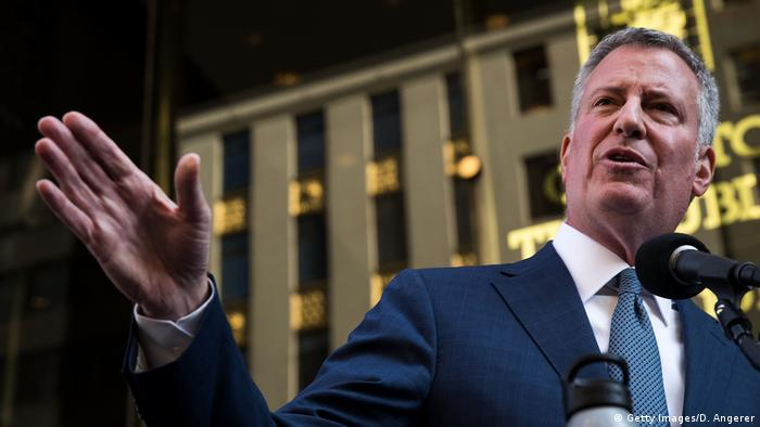 New York PK Bill de Blasio vor Trump Tower