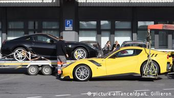 Luxury cars owned by Teodorin Obiang seized by Swiss police (picture-alliance/dpa/L. Gillieron)