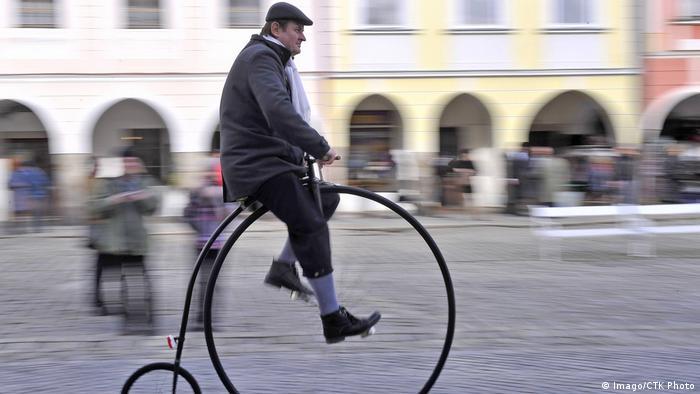 man on penny-farthing (Imago/CTK Photo)