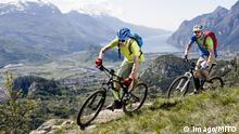 Men racing electic-mountainbikes cliff valley mit_2003_01946 Men Racing Eclectic Mountain bikes Cliff Valley mit_2003_01946