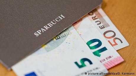 Οι Γερμανοί αποταμιεύουν, αλλά δεν γίνονται πλουσιότεροι