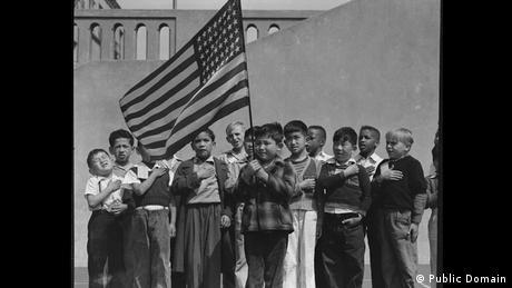 Zweiter Weltkrieg Internierung japanischstämmiger Amerikaner Schule (Public Domain)