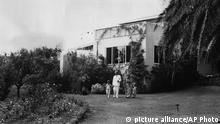 German dissident author, Thomas Mann stands in the garden of their mansion with his wife, Katia, and their two grandchildren Freddo, 5, and Tonio, 3, at their Pacific Palisades home near Santa Monica, California, USA, 1941. (AP Photo) |