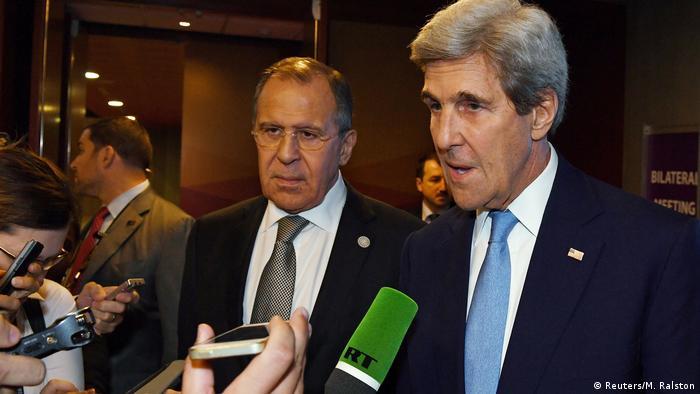 Lima APEC-Gipfel in Peru Lavrov und Kerry (Reuters/M. Ralston)