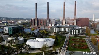 Вид головного завода Volkswagen в Вольфсбурге