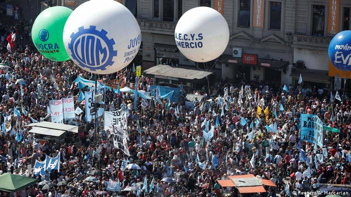 Argentinien Demonstration in Buenos Aires (Reuters/A. Marcarian)