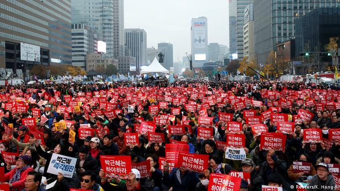 Südkorea Massenproteste in Seoul gegen Präsidentin Park Geun Hye (Reuters/K. Hong-Ji)