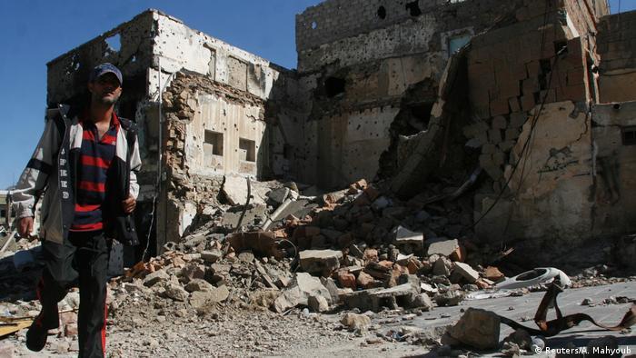Jemen Ruinen in Taiz (Reuters/A. Mahyoub)