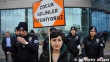 Türkei Protest in Ankara gegen Straferlass für Sexualstraftäter November 19 2016 Ankara