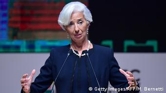Η γερμανίδα καγκελάριος φέρεται να άνοιξε το δρόμο για να πάρει η γαλλίδα πρώην υπουργός Εξωτερικών το πόστο στο Ταμείο