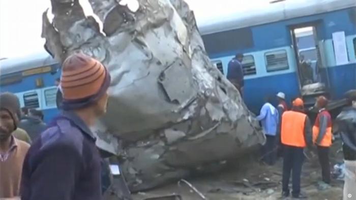 Expresszug entgleist: Viele Tote bei Zugunglück in Indien ( Reuters/ANI)