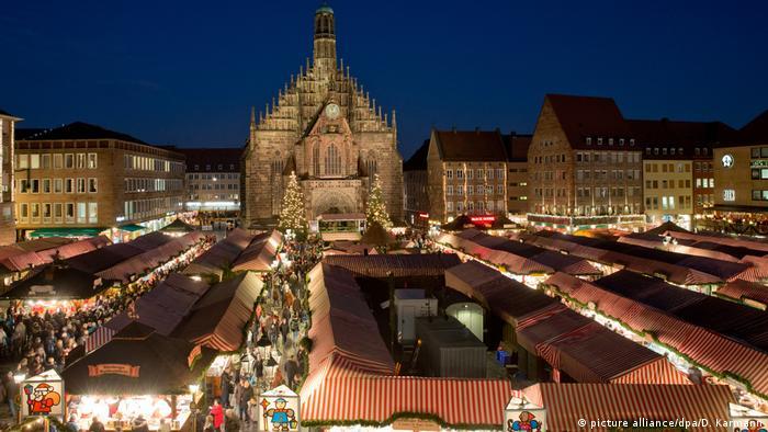 Deutschland Christkindlesmarkt Nürnberg 2015 (picture alliance/dpa/D. Karmann)