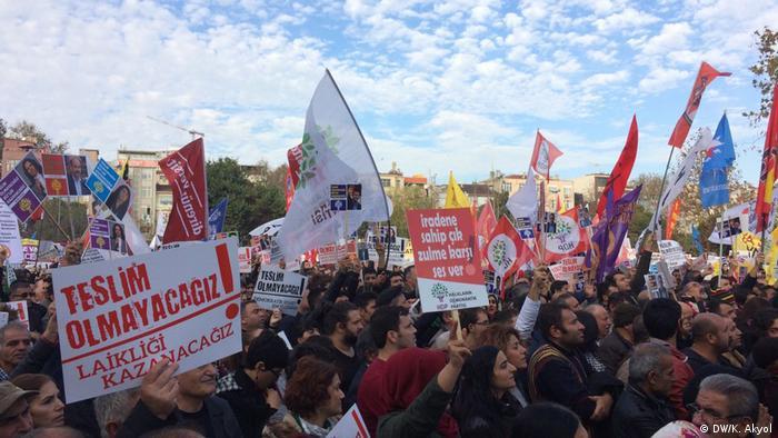Türkei Demo gegen den Ausnahmezustand in Istanbul