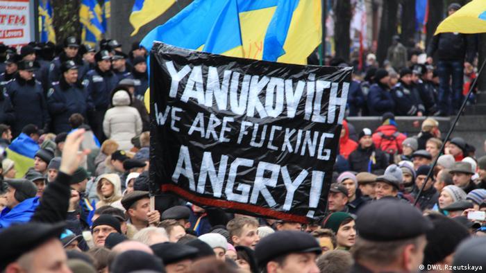 Євромайдан розпочався у листопаді 2013-го з мирних протестів у Києві
