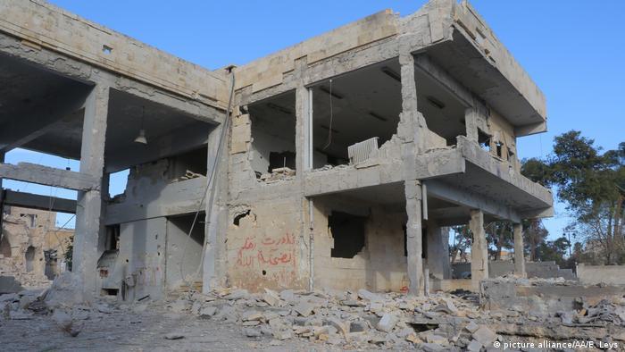 Syrien Zerstörung nach Bombenagriffen auf Aleppo (picture alliance/AA/E. Leys )