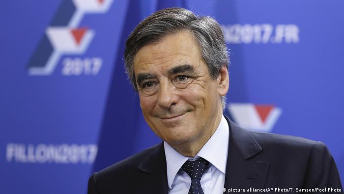 El exprimer ministro François Fillon se impuso por gran margen en primera vuelta de primarias y es ahora el favorito para ser el candidato conservador a las presidenciales de 2017. 21.11.2016