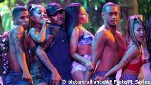USA American Music Awards 2016 Ariana Grande