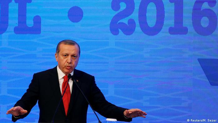 Türkei Rede Erdogan bei der Sitzung der Parlamentarischen Versammlung der NATO in Istanbul (Reuters/M. Sezer)