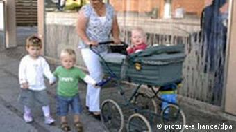 Tagesmutter mit Kindern in Dänemark