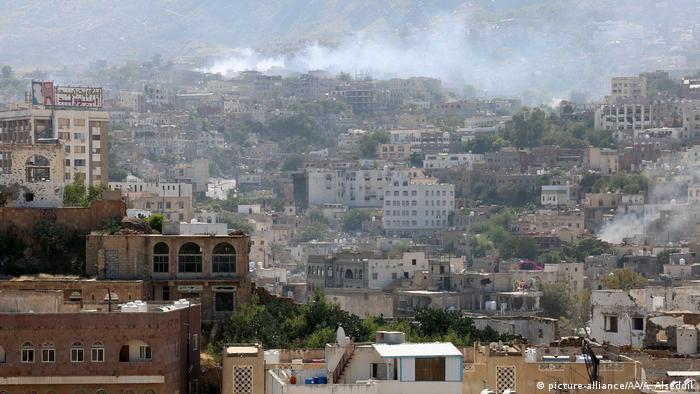 Jemen Zerstörte Gebäude nach Kämpfen