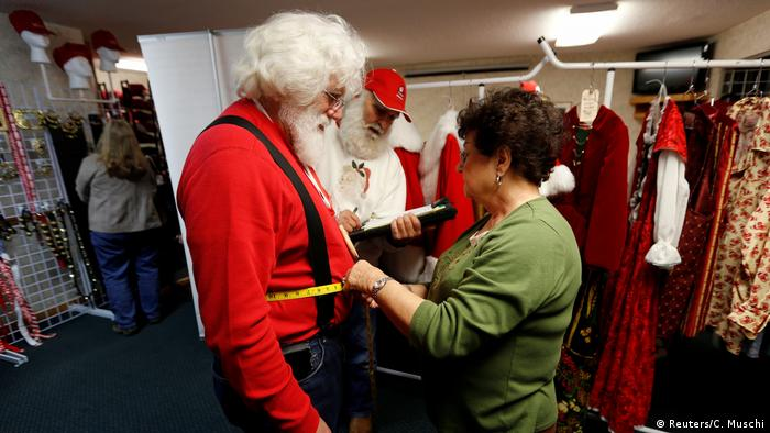 USA Santa Claus School in Michigan (Reuters/C. Muschi)