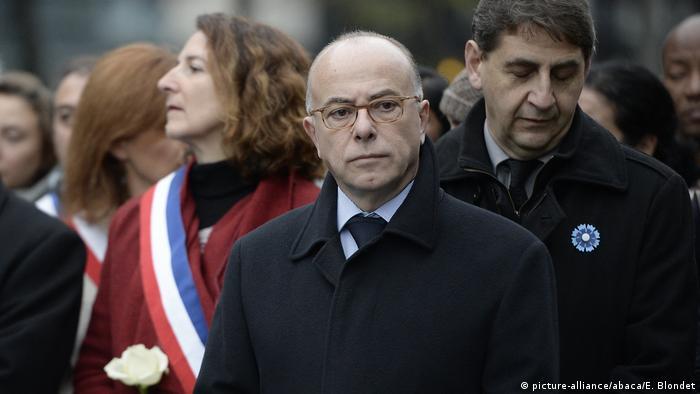 Frankreich Jahrestag der Terroranschläge von Paris Bernard Cazeneuve (picture-alliance/abaca/E. Blondet)
