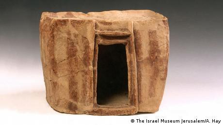 one-room dwelling, model (The Israel Museum Jerusalem/A. Hay)