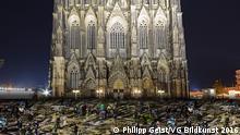 Computersimulation der für die Silversternacht geplanten Lichtinstalation auf der Domplatte in Köln. (Bild per Mail (samt Copyright-Freigabe) via DW/Dagmar Breitenbach.)