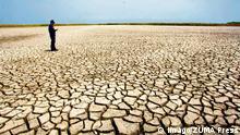 23.10.2014 Colombia - Barranquilla, Ausgetrockneter Grund eines Sees PUBLICATIONxINxGERxSUIxAUTxONLY - ZUMAe56_ Colombia Barranquilla Ausgetrockneter Ground a Lake PUBLICATIONxINxGERxSUIxAUTxONLY ZUMAe56_